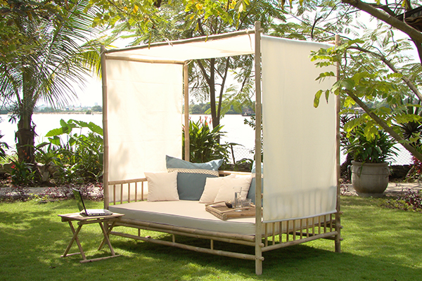 Malaga canopy daybed